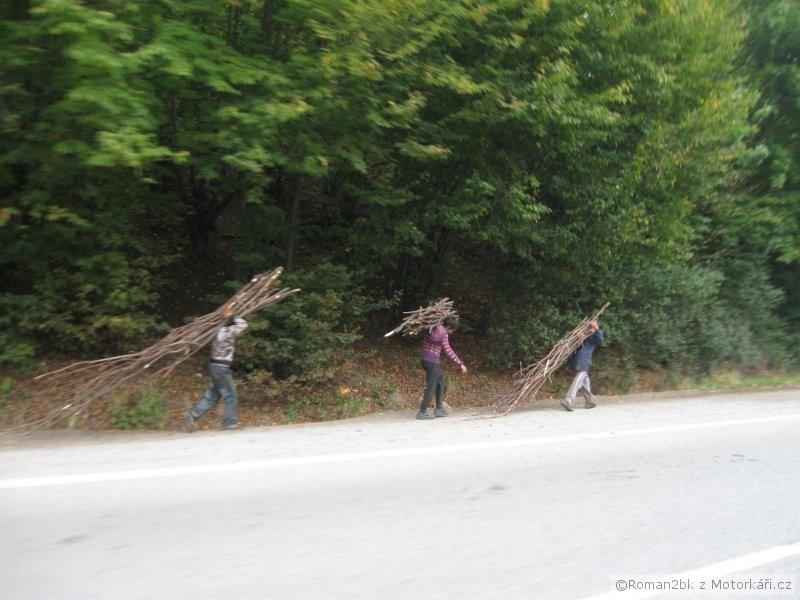 img.motofotky.cz/upload/images/forum/2012/41/110409_071001IMG2464.jpg