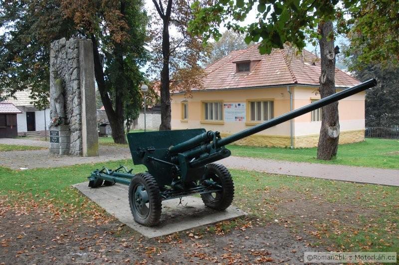 img.motofotky.cz/upload/images/forum/2012/41/110411_071201dsc0180.jpg