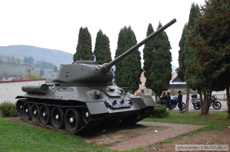 img.motofotky.cz/upload/images/forum/2012/41/110412_071208dsc0185.jpg